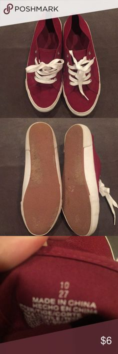 Canvas shoes Cute canvas shoes. Has a little wear on soles.  Lots of life still.  Burgundy Old Navy Shoes Sneakers
