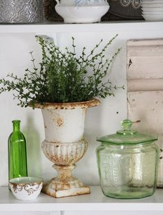 love urns and the color green