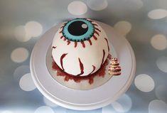 Halloween cake, eyeball - cake by Pluympjescake Bolo Halloween, Halloween Cakes, Halloween Stuff, Cake Cookies, Cupcake Cakes, Cupcakes, Food Tech, Doughnut Cake, Unique Cakes