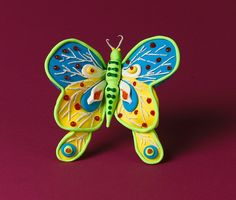 Invent your own species of butterfly, moth, or other insect. Or make models of your favorites! All you need is Crayola Model Magic® compound and your imagination to make tiny details on your own winged creatures!