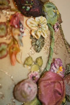 Nightshades - Victorian Lampshade with antique Ribbon Roses. This rich embelishment will look goergous on a lamp shade Ribbon Art, Ribbon Crafts, Ribbon Flower, Victorian Lamps, Victorian Interiors, Antique Lamps, Victorian Houses, Vintage Lampshades, Silk Ribbon Embroidery