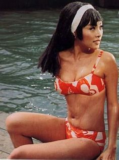 Irene Tsu. 1960s summer style.