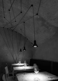 Ristorante Perimetro - lampada NEURO davide groppi