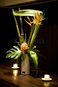 Kate Hill Flowers | Gallery | Event Flowers Photos Hotel Flower Arrangements, Tropical Floral Arrangements, Ikebana Arrangements, Beautiful Flower Arrangements, Floral Centerpieces, Table Arrangements, Art Floral, Hotel Flowers, Modern Floral Design