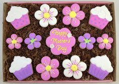 Cupcakes & Flowers Mother's Day Cookie Repinned By:#TheCookieCutterCompany