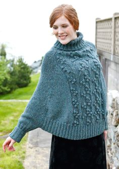 This Lovely Sleeved Poncho Free Knitting Pattern is different from other poncho patterns, as it has sleeves. It gives you the comfort of a poncho with the warmth of sleeves. Knitting Wool, Sweater Knitting Patterns, Knitted Poncho, Easy Knitting, Double Knitting, Knitting Socks, Poncho Sweater, Mohair Sweater, Shawl Patterns