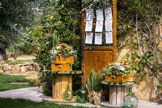 Seating plan de boda - La Tienda de Olivia. #minutas #minutasdeboda #minutasbodas #minutaseventos #menusdebodas #menudeboda #papeleriadeboda #menudelaboda #minutadelaboda #meseros #seatingplan #seattingplan #minutaboda #papeleriaparabodas #papeleriabonitadeboda #papeleriabonita #latiendadeolivia Ideas Para, How To Plan, Garden, Outdoor Decor, Home Decor, Cute Stationery, Invitations, Store, Weddings