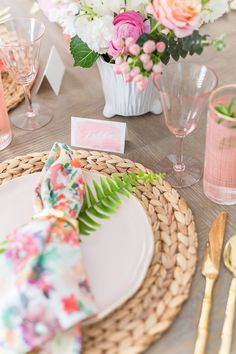 820 Entertaining Party Table Settings Ideas In 2021 Table Settings Party Table Settings Party Table
