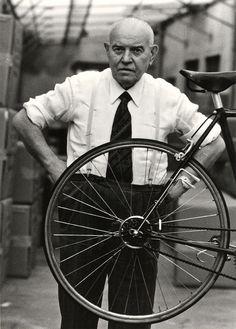 Tullio Campagnolo, sin este hombre el ciclismo no hubieses sido lo mismo/Without this man cycling wouldn't be the same. Campagnolo, la mejor marca de ruedas y componentes. Qué maravilla los frenos Campagnolo,