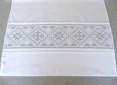 Simple Embroidery, Cute Designs, Diy And Crafts, Cross Stitch, Sewing, Lace, Norway, Head Pieces, Aprons