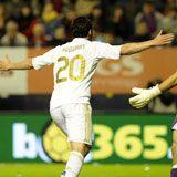 Con sus dos goles a Osasuna, Higuaín supera el centenar de goles como jugador del Real Madrid