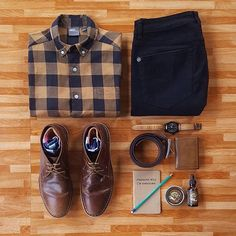 Outfit grid - Checked shirt & black jeans (i'm nost awesome) Style Outfits, Komplette Outfits, Casual Outfits, Fashion Outfits, Classic Outfits, Dress Casual, Mode Masculine, Fashion Mode, Mens Fashion