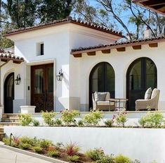 Spanish style homes – Mediterranean Home Decor Spanish Colonial Homes, Spanish Style Homes, Spanish House, Spanish Revival, Spanish Style Interiors, Hacienda Style Homes, Mediterranean Style Homes, Mediterranean House Exterior, Future House