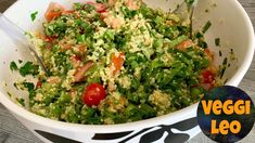 Quinoa-Petersilien-Salat - Rezept von Veggi Leo Quinoa Salat, Guacamole, Mexican, Ethnic Recipes, Leo, Fitness, Youtube, Sweet Potato Recipes, Quinoa Recipe