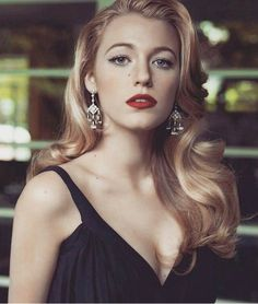 {blake lively} amari hope, 23 and a nurse of three years. she's as sweet as she can be on the battlefield or base but sometimes she gets a little too stressed when loads of guys come in. she's a bit of a flirt, so don't get your HOPES (kms) for her