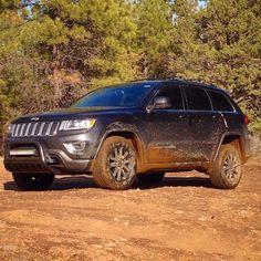 2014 Jeep Grand Cherokee WK2, muddy, offroad, bullbar, light bar, Plastidip