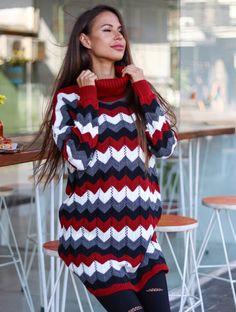 Nimic nu este mai potrivit și recomandat pentru sezonul rece decât o colecție de pulovere tricotate pe care să o ai în garderoba ta