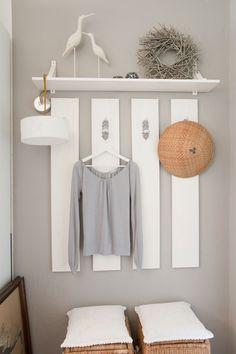 Garderobe, dus even een muurtje schilderen en opsakee