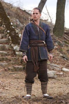 Jackson Rathbone en The Last Airbender Armor Clothing, Viking Clothing, Historical Clothing, Larp, Fantasy Costumes, Cosplay Costumes, Movie Costumes, Viking Garb, Medieval Costume