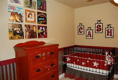 Now I want to have a baby boy so I can give him a johnny cash themed nursery too - even has a guitar on the wall and 45s