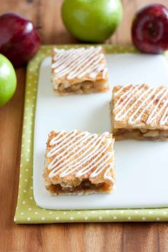 Any day is a good day for apple pie, right? To me apple pie isn't just a Fall and Thanksgiving dessert, I want apple pie all through out the year. Why have
