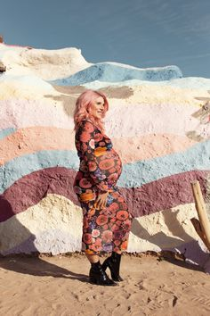 ad3b9903a8e1 Retro-Inspired Maternity Shoot at Salvation Mountain!