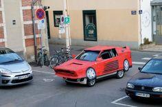 Ferrari Testarossa: per l'artista Benedetto Bufalino è in cartone