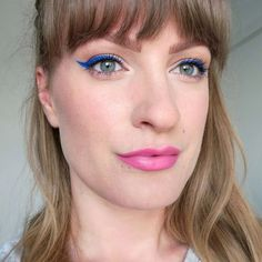 Bright blue winged eyeliner. Bold eye make up. Summer make up inspiration. Baby pink lipstick. Beauty inspiration, ideas for summer beauty. #talontedlex