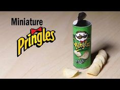 Miniature Pringles - Polymer Clay & Paper Tutorial - YouTube - This awesome miniature was made by Sugarcharmshop.