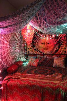 Tie Dye Sun and Moon tapestries Bohemian tapestry Bedroom Ideas Karvi Sun Moon Tie Dye Wall Tapestry Bohemian Bedrooms, Bohemian Style Rooms, Hippie Bedroom Decor, Hippy Bedroom, Boho Room, Gypsy Room, Hippie Bedding, Vintage Hippie Bedroom, Hippie House Decor