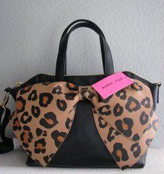 Black&Cheetah Bow Purse By Betsy Johnson