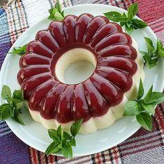 Jelly Recipes, Cake Recipes, Yami Yami, Turkish Recipes, Ethnic Recipes, Turkish Delight, Food Art, Food To Make, Panna Cotta