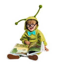 Not that I have kids....but I just might need to be a bookwork for halloween... LOL   24 Homemade Kids Halloween Costumes: Easy No-Sew DIY BookWorm #costume