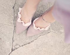 DIY a pair of these pretty lace socks and give your old shoes, heels, & flats an entirely new look! Diy Clothes And Shoes, Diy Clothing, Diy Lace Socks, Diy Vetement, Altered Couture, Pink Beige, Mauve, Scalloped Lace, Diy Fashion