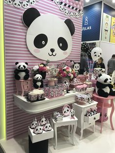 Panda Themed Party, Panda Birthday Party, Panda Party, Bear Party, 13th Birthday, Birthday Celebration, Birthday Party Decorations, Party Themes, Cute Panda Cartoon