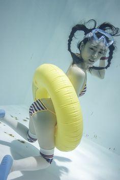 suichu niso underwater knee high socks cosplay diving fetish photography manabu koga japanese girls manami yamaguchi