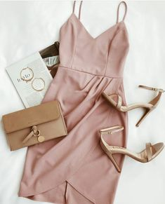 Latest Stylish Designer Party Wear Dresses - Fancy Dresses For Girls Date Outfits, Night Outfits, Classy Outfits, Trendy Outfits, Dress Outfits, Fashion Outfits, Womens Fashion, Fashion Pics, Ootd Fashion