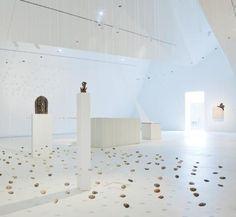 "A MUSEUM THAT ASKS QUESTIONS: INNOVATIVE INFORMATION EXCHANGE FOR ""THE MUSEUM DER KULTUREN BASEL"" (SWITZERLAND)"