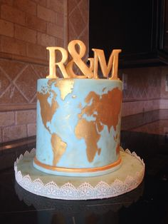 Vintage, blue and gold world map themed anniversary cake. Vintage, blue and gold world map themed an Themed Wedding Cakes, Wedding Desserts, Themed Cakes, Mini Tortillas, Map Cake, Globe Cake, Gold World Map, Travel Cake, Painted Cakes