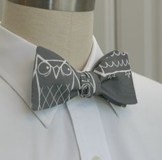 Gorgeous grey and white bow tie for the owl fans out there.