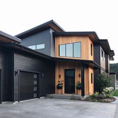 50 Amazing Exterior Paint Colors For House With Roof > Fieltro.Net house exterior amazing exterior paint colors for house with roof 26 > Fieltro. Black House Exterior, Exterior Paint Colors For House, Paint Colors For Home, House Colors, Cabin Exterior Colors, Black Windows Exterior, Rustic Home Design, Modern House Design, Modern Wood House
