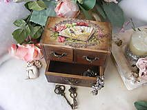 Krabičky - Parfumerie ... / komodka - 5130154_