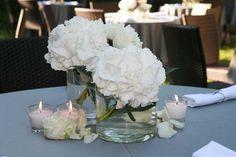 ... fiori che preferisco sono le ortensie bianche e le peonie che sono