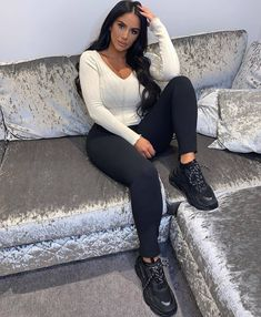 Mom Outfits, Cute Outfits, Black Outfits, Women's Summer Fashion, Autumn Fashion, Casual Chic, Dress Casual, Women's Fashion Dresses, Beautiful Outfits