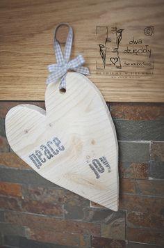 wooden heart, bleached, pine