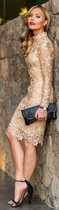Gold Lace Party Midi Dress - Total Street Style Looks And Fashion Outfit Ideas Elegant Dresses, Pretty Dresses, Beauty And Fashion, Womens Fashion, Latest Fashion, Fashion Trends, Inspiration Mode, Mode Outfits, Casual Outfits