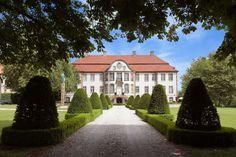 Universo Sieger, un castillo donde conviven diseño y arte http://www.muudmag.com/spa/pagina/260-Sieger Fotos: Enrique Menossi