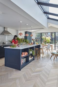 a Victorian mid terrace gets a striking open plan kitchen extension Real Homes Kitchen Room Design, Modern Kitchen Design, Home Decor Kitchen, Interior Design Kitchen, New Kitchen, Kitchen Ideas, Awesome Kitchen, Kitchen Planning, Kitchen Taps
