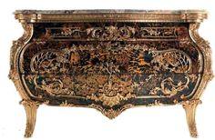 Дворцовая роскошь — мебель от Jumbo Collection.  Эта ценная и уникальная модель…