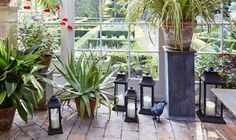 10 Outdoor Lanterns for a Picture-Perfect Summer Scene